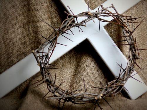 """""""O SENHOR é o que tira a vida e a dá; faz descer à sepultura e faz subir"""" 1Sm 2:6"""